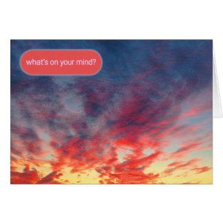 手を差し伸べる絞り染めの日没 カード