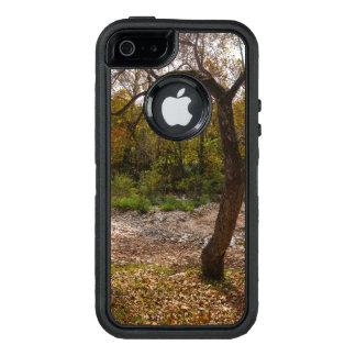 手を差し伸べる自然 オッターボックスディフェンダーiPhoneケース