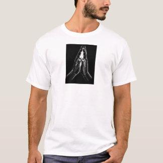 手メンズTシャツを祈ること Tシャツ