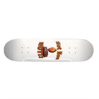 手元の熱く熱く熱い直立したHabaneroのコショウ 21.6cm スケートボードデッキ