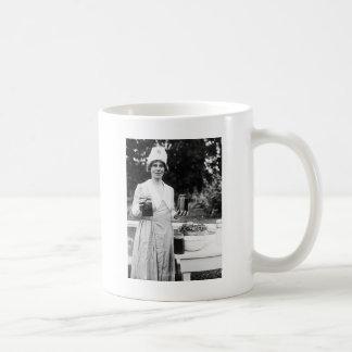 手入れが行き届いた: 1920年 コーヒーマグカップ