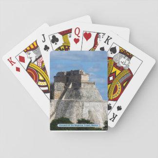 手品師のピラミッド、Uxmal、メキシコ トランプ