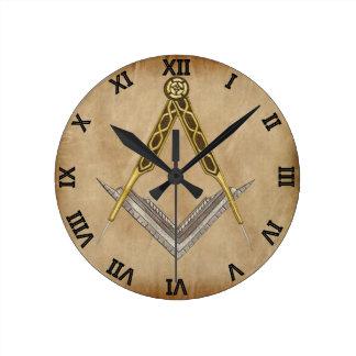 手描きの正方形およびコンパス ラウンド壁時計