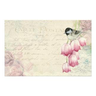 手書きのぼろぼろのヴィンテージの鳥そして花 便箋