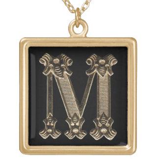 手紙Mの正方形のネックレス ゴールドプレートネックレス