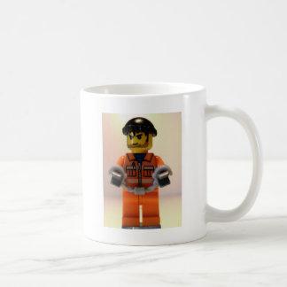 手錠を持つ囚人囚人Minifig コーヒーマグカップ