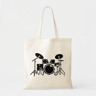 打楽器をドラムをたたきます トートバッグ