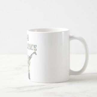 承諾のカラシニコフ自動小銃のゼロ迷彩柄 コーヒーマグカップ