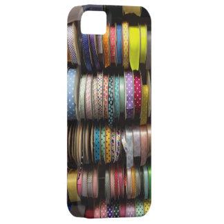 技術の箱を縫うリボンのカラフルなリボンの列 iPhone SE/5/5s ケース
