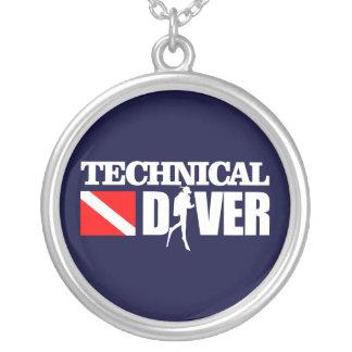 技術的なダイバー2 シルバープレートネックレス