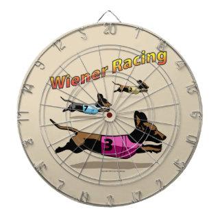投げ矢板を競争させるウインナー ダーツボード
