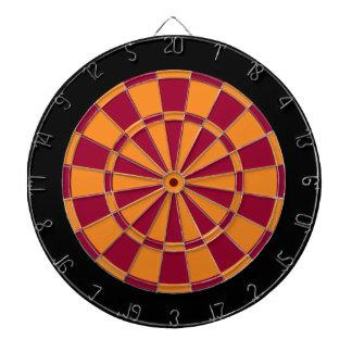 投げ矢板: オレンジ、あずき色、および黒 ダーツボード