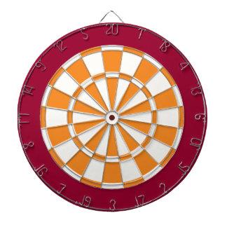投げ矢板: 白く、オレンジ、およびあずき色 ダーツボード