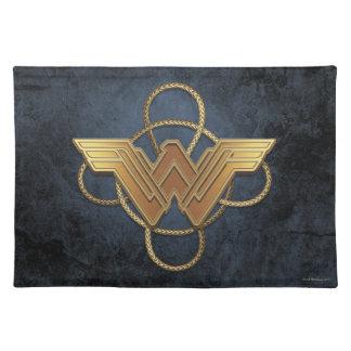 投げ縄上のワンダーウーマンの金ゴールドの記号 ランチョンマット