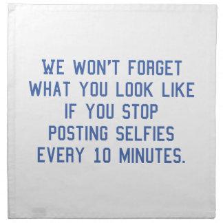 投稿Selfies 10分毎に ナプキンクロス