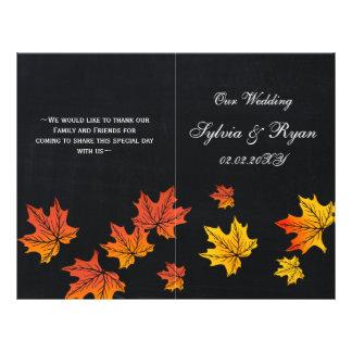 折られるヴィンテージの黒板の秋の結婚式プログラム チラシ