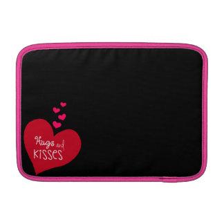 抱擁およびキスの袖 MacBook スリーブ