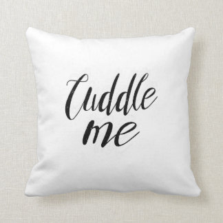 抱擁は私を枕抱き締めます クッション