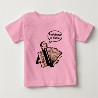 抵抗は役に立たないです! (アコーディオン) ベビーTシャツ