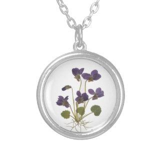 押された花のデザイン シルバープレートネックレス