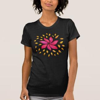抽象的でお洒落な水彩画のピンクの花 Tシャツ