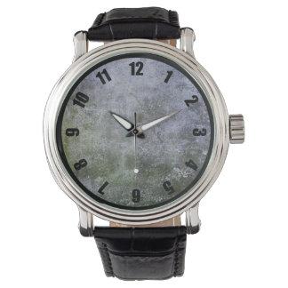 抽象的でグランジなコケは石塀の質をカバーしました 腕時計