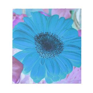抽象的でモダンなピンクの青いパステル調のガーベラのデイジー ノートパッド