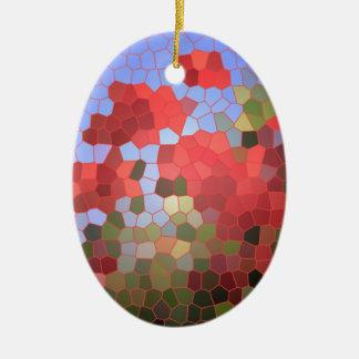 抽象的で赤いケシの青空のステンドグラスのモザイク セラミックオーナメント