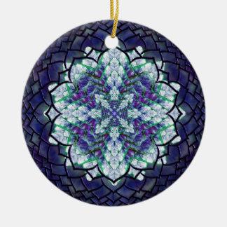 抽象的で青いキヅタの曼荼羅のオーナメント 陶器製丸型オーナメント