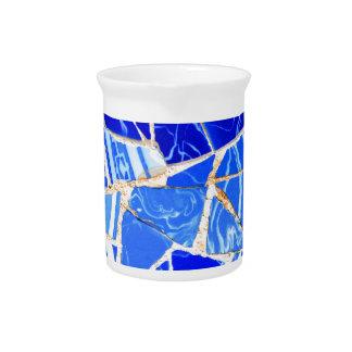抽象的で青い背景 ピッチャー