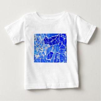 抽象的で青い背景 ベビーTシャツ
