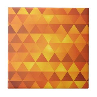 抽象的で黄色い三角形 タイル