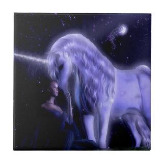 抽象的なファンタジーのPupleの妖精のユニコーン タイル