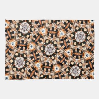 抽象的な万華鏡のように千変万化するパターン キッチンタオル