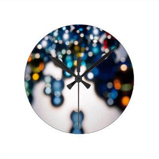抽象的な水晶はスヌーカーを反映します ラウンド壁時計