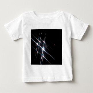 抽象的な水晶はマトリックスを反映します ベビーTシャツ
