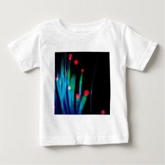 抽象的な水晶は草を反映します ベビーTシャツ