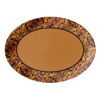 抽象的な秋の葉のシルエットパターン 磁器大皿