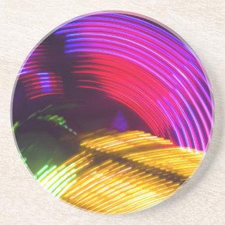 抽象的な紫色の黄色く赤いおよび緑色航法燈 コースター