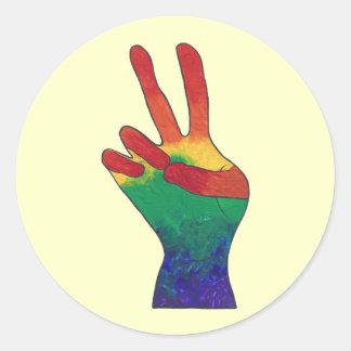 抽象的な虹手のピースサインのステッカー ラウンドシール