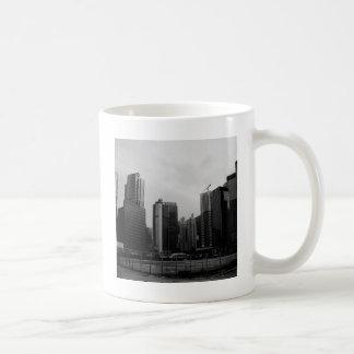抽象的な都市によって捨てられる都市 コーヒーマグカップ