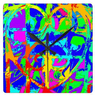 抽象的な鉄のハートの柱時計 スクエア壁時計