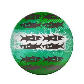 抽象美術、魚、磁器皿の緑及び黒 磁器プレート