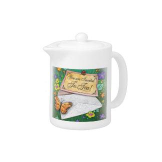 招待されられた茶ポットです