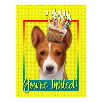 招待状のカップケーキ- Basenji ポストカード