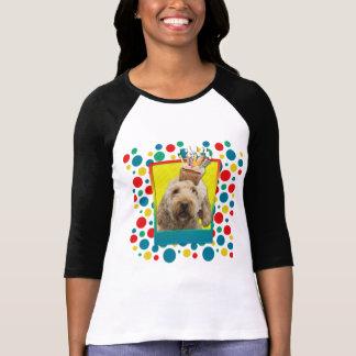 招待状のカップケーキ- GoldenDoodle Tシャツ
