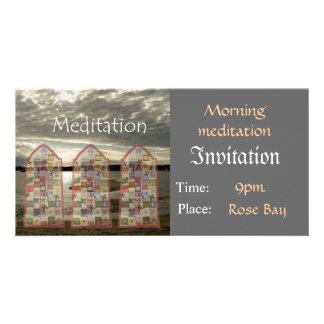 招待状の黙想のテンプレート カード