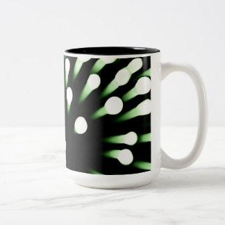 拡大される緑の細菌 ツートーンマグカップ