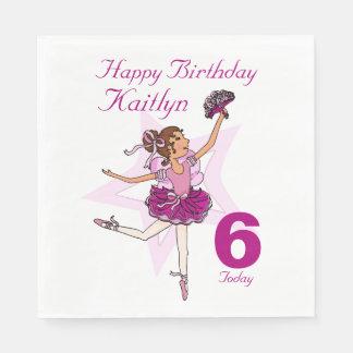 挙げられたバレリーナの女の子の第6誕生日のナプキン スタンダードランチョンナプキン