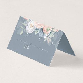 挨りだらけのバラおよび石板の青い花のエレガント プレイスカード